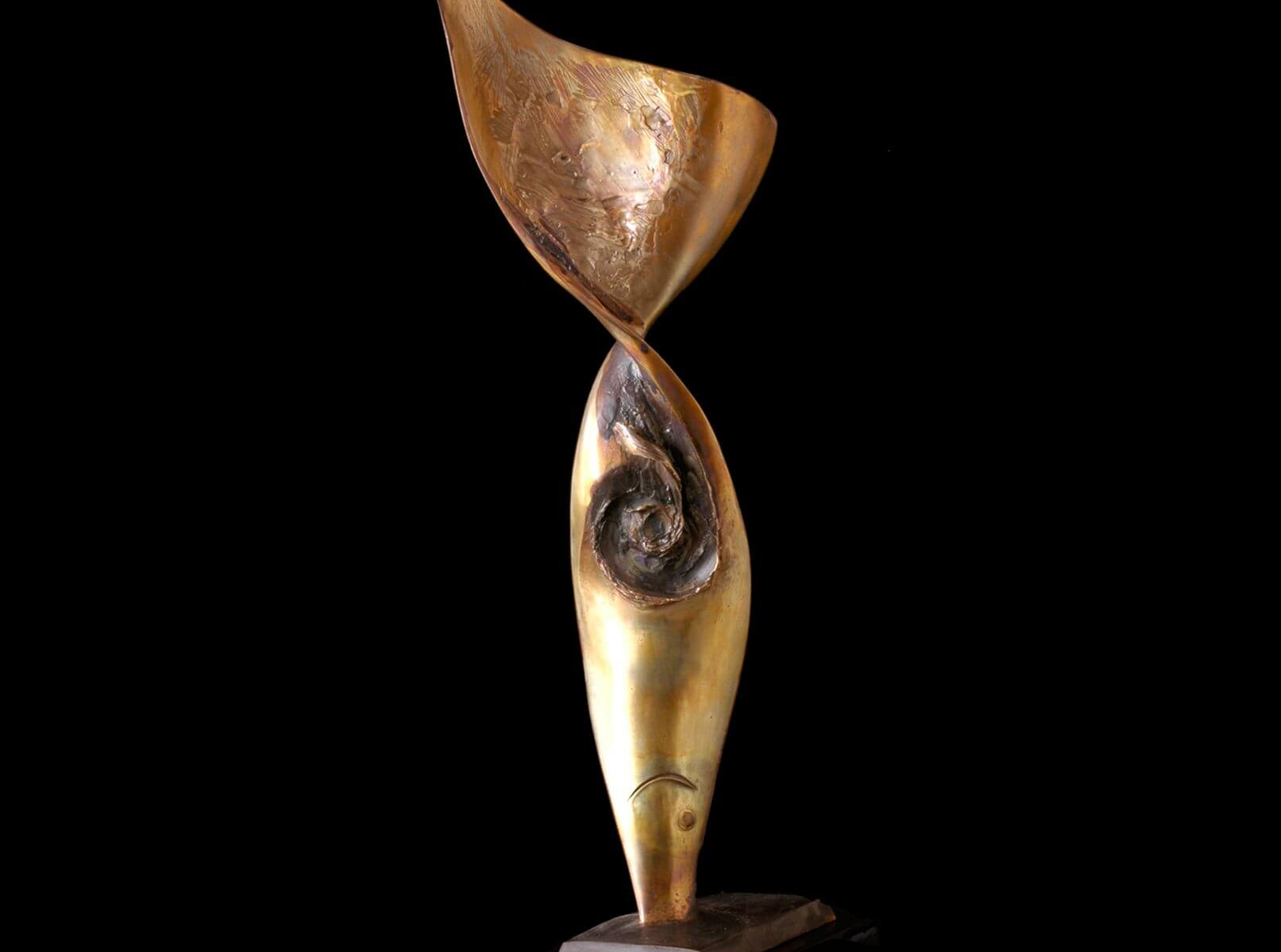 Pesce II an abstract bronze sculpture by Andrew DeVries