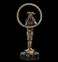 Sunshine a figurative bronze jester sculpture by sculptor Andrew DeVries