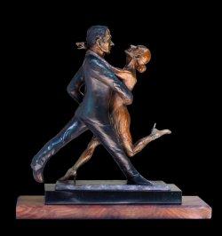 Tango! a medium size tango dance figurative sulpture by Andrew DeVries