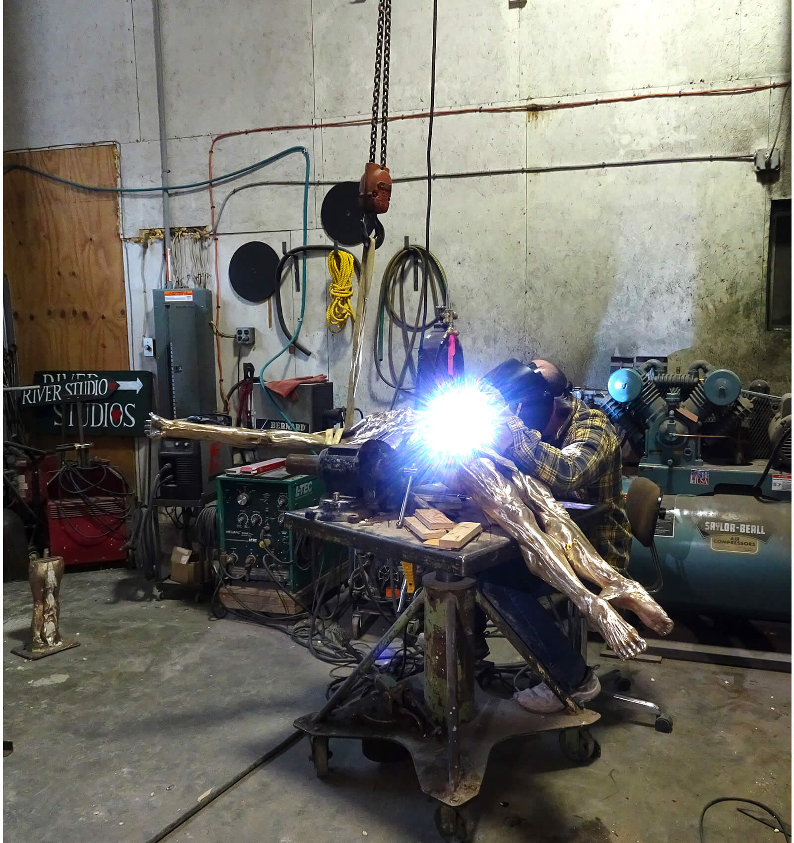 Andrew DeVries welding the large Echoes together