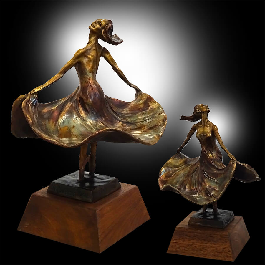 La Parisienne is the title of this small bronze dance sculpture by Andrew DeVries. Copyright 2020